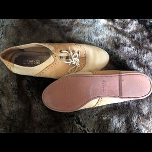 Gently used Sperry Saddle Shoes